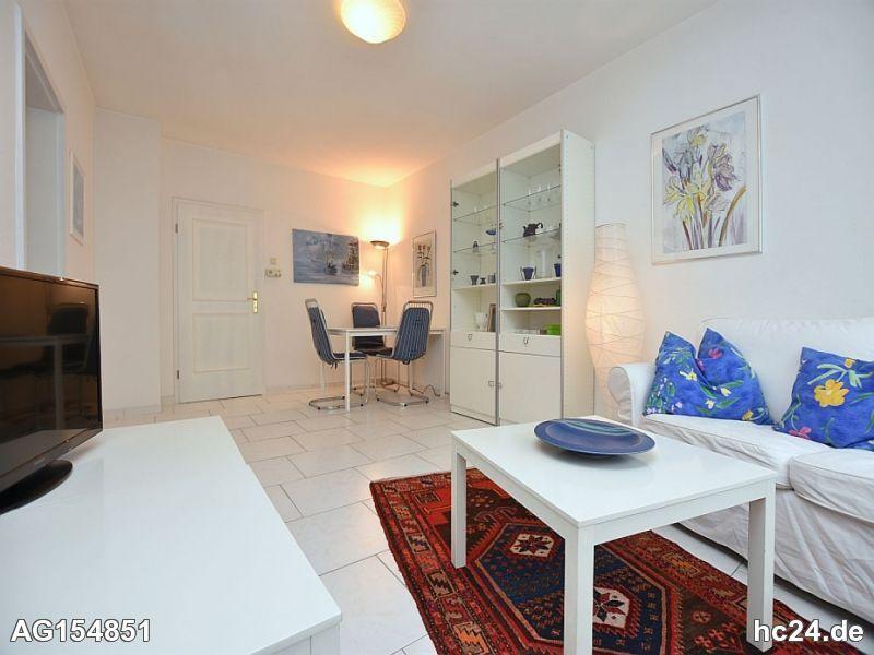 Helle, schön möblierte Wohnung mit W-LAN in Stuttgart West